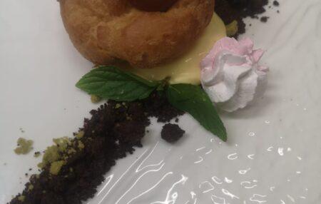 Pasta bignè con crema al burro di arachidi, nutella e caramello salato